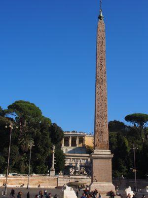 Altes Ägypten auch in Rom (man kann ja ein Kreuz drauf setzen)